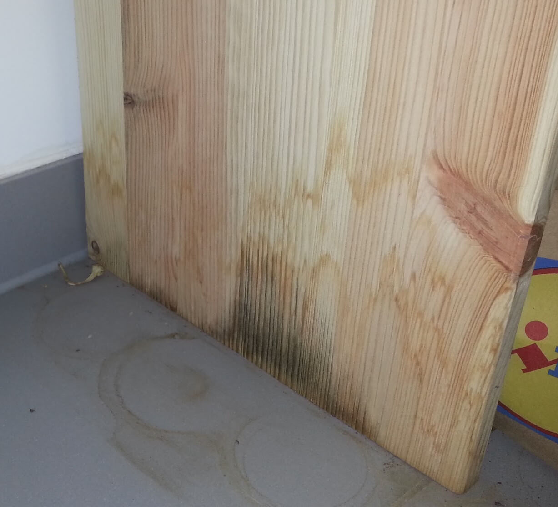 Wasserschaden an Holzmöbeln, was mache ich jetzt?